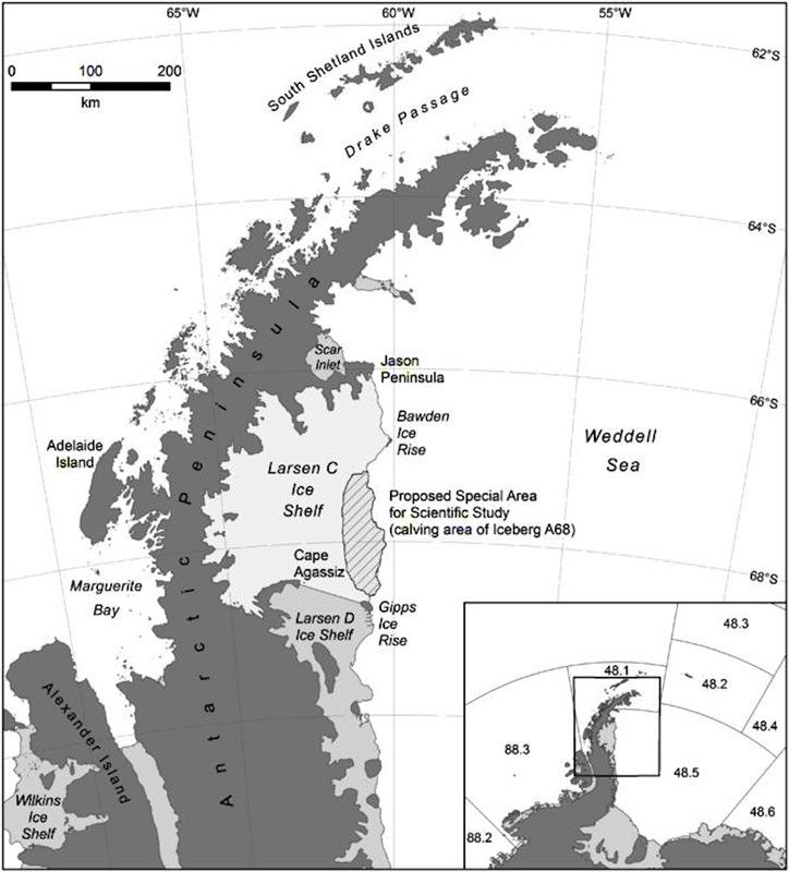 Das Larsen C Eisschelf liegt auf der östlichen Seite der antarktischen Halbinsel. Es ist seit dem Zusammenbruch des südlich gelegenen Larsen B Schelfs vor mehr als 20 Jahren wissenschaftlich in den Vordergrund gerückt. Bild: BAS