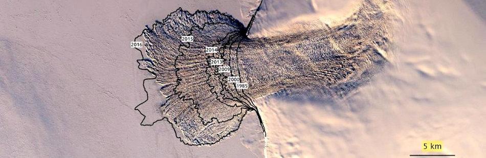 Auf den zusammengesetzten Satellitenaufnahmen sind die einzelnen Punkte wie Jahrringe erkennbar. Ab 2015 ist die massive Beschleunigung der Eiskappe klar ersichtlich und hat seither auch nicht mehr gestoppt. Bild: Wang Zheng, Cornell Universität
