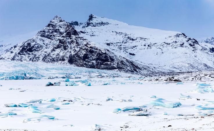 Obwohl Island knapp unterhalb des Polarkreises liegt und die Insel stark durch die jahrtausendealte